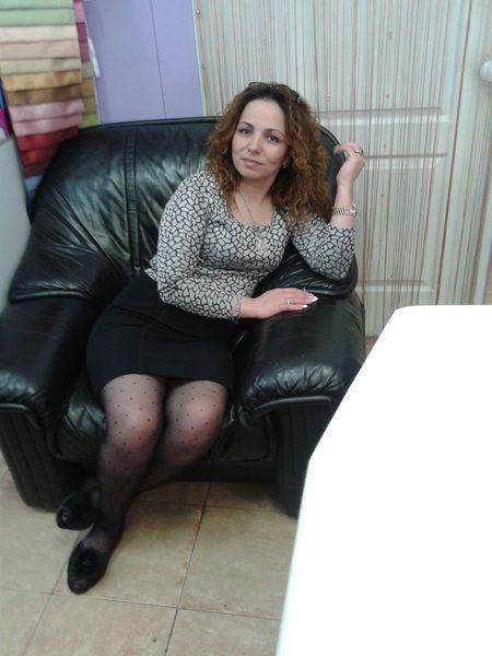 женщина ищет женщину знакомства бийск